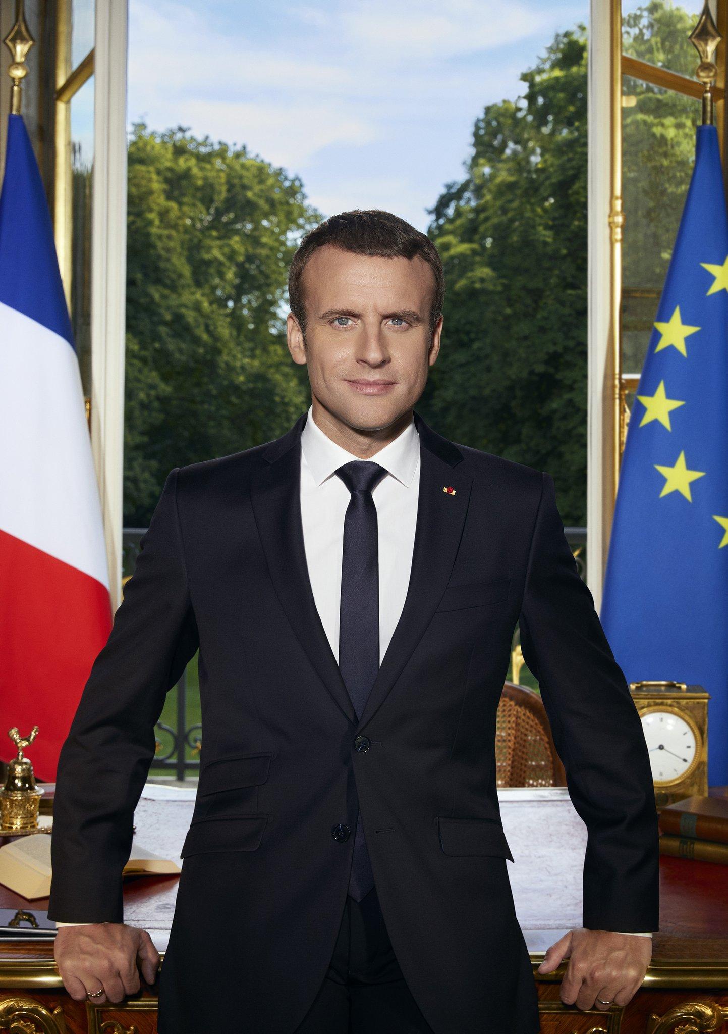 Photo officielle d'Emmanuel Macron, président de la République