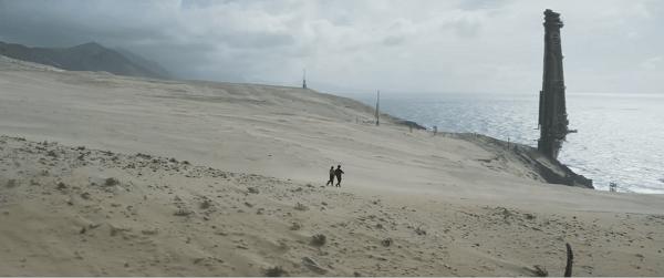 Qi'Ra et Han Solo sur la plage