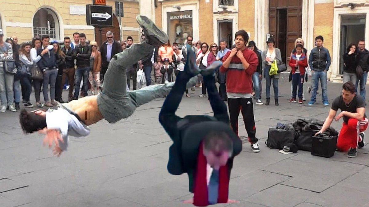 Christophe Barbier danse